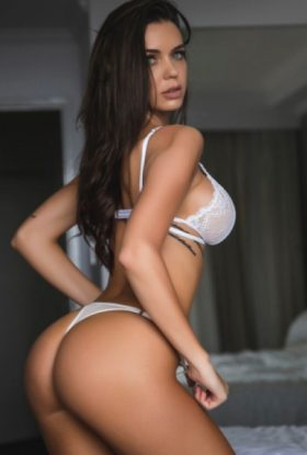 Paige Escort Girl Business Bay AD-FDE23511 Dubai