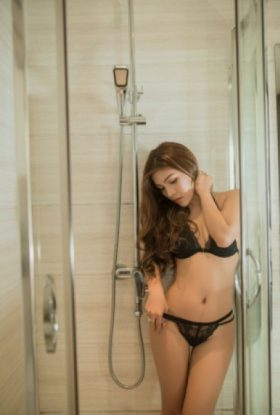 Moon Escort Girl Bur Dubai AD-MCD28115