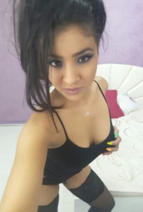 Laura Escort Girl Barsha Heights AD-RBZ25904 Dubai