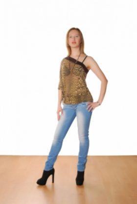 Masha Escort Girl Emirates Hills AD-SSE24751 Dubai