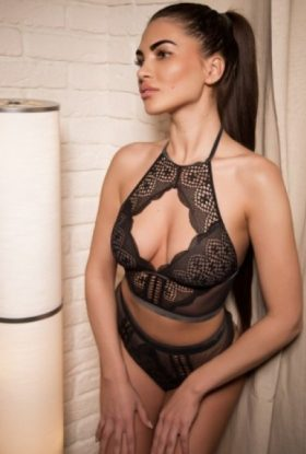 Laura Escort Girl Jumeirah Lakes Towers AD-OOF35991 Dubai